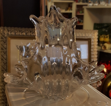 Free form pulled clear glass basket
